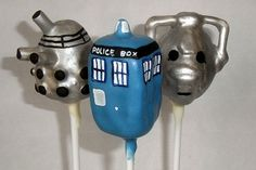 Dr Who cake pops dalek, cyber man and tardis! Doctor Who Cakes, Doctor Who Party, Dr Who Cake, No Bake Cake Pops, Movie Cakes, Pastry Art, Cake Decorating Supplies, Cake Board, Anna