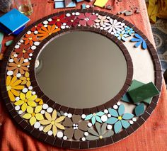 Best 12 Floral frame for mirror or picture. Mosaic Tile Art, Mosaic Artwork, Mirror Mosaic, Mosaic Diy, Mosaic Garden, Mosaic Glass, Tile Crafts, Mosaic Crafts, Mosaic Projects