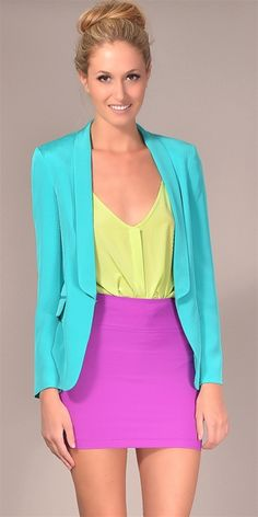 love how the entire outfit is bright colors :)
