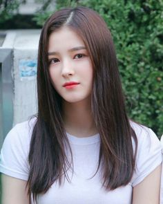 Nancy is most popular and famous artist from Momoland Group. Most popular Nancy Momoland wallpaper. Nancy Momoland, Nancy Jewel Mcdonie, Pretty Hair Color, Pretty Face, Korean Beauty Girls, Asian Beauty, Girl Pictures, Girl Photos, New Girl Style
