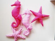 Trojlistok / Ružové morské potvory...