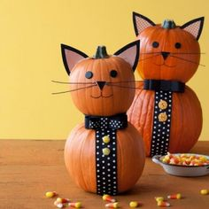These charming cats are an easy Halloween craft.  Video: Watch the step-by-stepto create these pumpkins! »