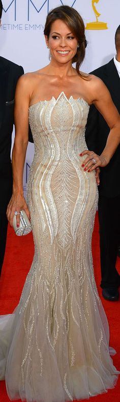 Brook Burke Charvet in Tony Ward Couture <3 Very figure friendly! I love the pattern's shape, it really accentuates her great curves!