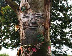 Bäume mit menschlichen Gesichtern