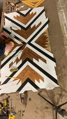 Have you been wanting to try a DIY woodworking project? This wood art is so fun to make. Give a visit … [Video] in 2020 Mosaic Wall Art, Diy Wall Art, Wood Wall Art, Beginner Woodworking Projects, Woodworking Techniques, Woodworking Crafts, Diy Wood Projects, Wood Crafts, Diy Furniture Videos