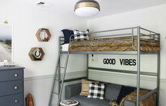 Rustic Tween Boys Room-Svarta Loft Frame