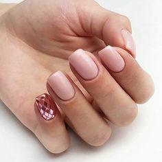 Discover new and inspirational nail art for your short nail designs. Solid Color Nails, Nail Colors, Cute Nails, Pretty Nails, Hair And Nails, My Nails, Pink Glitter Nails, Gradient Nails, Acrylic Nails