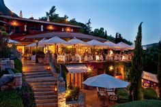 Il Pellicano, Tuscany, Italy - from Bon Appétit magazine site - after both family and friends have visited Italy this year, I must now go too.