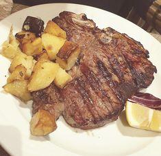 #firenze #tuscany #dining #food #bistecca Tuscany, Mascara, Steak, Cupcake, Dining, Lifestyle, Food, Food Food, Tuscany Italy