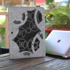 Felt Laptop Case/Laser carving design with jagged edge| Buyerparty Inc.