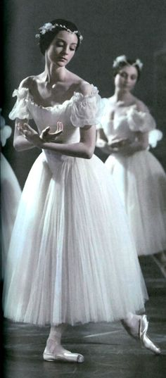 """strechanadi: """" Paris Opera ballet Giselle photo: M. Lidvac """""""