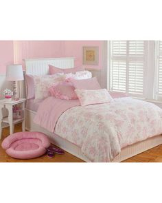 perfect pink room..