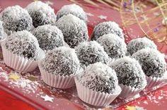 2 balíčky piškotů   100g másla   60g moučkového cukru   2 vanilkové cukry   100g kokosu   1 deci rumu Christmas Baking, Christmas Recipes, Russian Recipes, Rum, Muffin, Polish, Cookies, Drinks, Breakfast