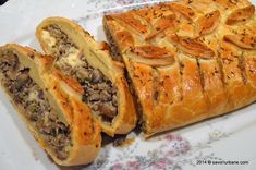 Finnish recipe with meat and mushrooms pie Savori Urbane Mushroom Pie, Mushroom Recipes, Romania Food, Finnish Recipes, Puff Pastry Recipes, World Recipes, Cheesesteak, I Foods, Chicken Recipes