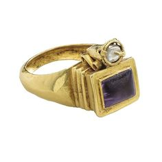 Roman Gemstone Ring, late 4th or 5th century, Roman or perhaps Byzantine. Gold, amethyst, and pearl. Bezel 15 x 13 x 13 mm. and 7 x 7 x 13 mm.; circumference 63 mm.; weight 12.2 gr. © The Metropolitan Museum of Art.