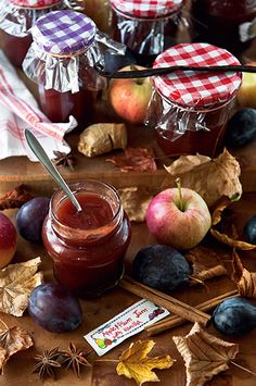 Apple-Plum Jam with Vanilla by aisha. Chutneys, Harvest Farm, Plum Jam, Pots, Jam And Jelly, Caramel Apples, Food Photography, Vanilla, Smoothies