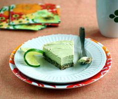 Raw Key Lime Pie from the Choosing Raw Cookbook Healthy Holiday Recipes, Delicious Vegan Recipes, Raw Food Recipes, Dessert Recipes, Paleo Vegan, Raw Vegan, Raw Desserts, Healthy Desserts, Vegan Key Lime Pie