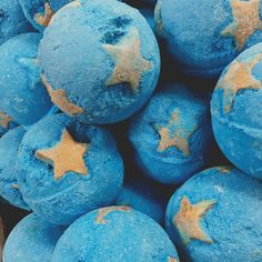 Star themed fucking bath bombs yeah of course (p i n t e r e s t : kgfamilyg) Ravenclaw, Coraline Aesthetic, Coraline Jones, Everything Is Blue, Alice Blue, Other Mothers, Web Design, Blue Aesthetic, Shades Of Blue