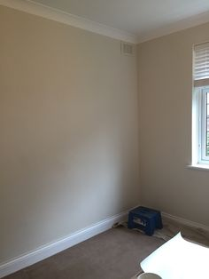 Guest bedroom painted - farrow and ball slipper satin Farrow And Ball Bedroom, Farrow And Ball Paint, Farrow Ball, Home Bedroom, Bedroom Ideas, Master Bedroom, Bedrooms, Extension Ideas, Paint Colours