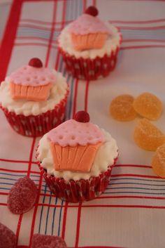 Cook the cake: Cupcakes de chocolate con cupcake de fondant