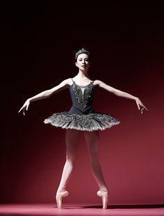 Ballet Poses, Ballet Dancers, Ballet Feet, Dance Photos, Dance Pictures, Isabella Boylston, Paper Dolls Clothing, Dancer Photography, Ballet Images
