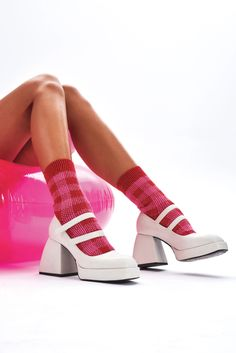 Scholl's and Birkenstock to mom mules and clogs, 10 shoes to prove nostalgia will keep dominating fashion for spring 90s Shoes, Funky Shoes, Sock Shoes, Shoes Heels, Pretty Shoes, Cute Shoes, Me Too Shoes, Aesthetic Shoes, White Boots