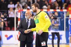 Handball WM 2017: Entwarnung bei Andreas Wolff. Handball WM 2017 Frankreich: Bei Andreas Wolff hat die medizinisch ...