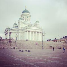 #helsinki #finland #square #helsingfors #domkyrkan #church #cathedral #helsingintuomiokirkko #tuomiokirkko (Taken with Instagram at Helsingin tuomiokirkko) Helsinki, Finland, Taj Mahal, Cathedral, Architecture, Heart, Building, Travel, Instagram