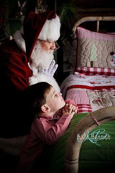 Prayers with Santa. Santa mini session. The night before christmas. Kyla Branch Photography 2016 www.kylabranchphotography.com www.facebook.com/kylabranchphotography