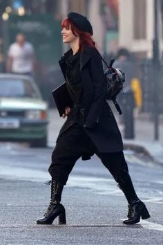 Mode Style, Style Me, Emma Stone Outfit, Cruella Costume, Punk Fashion, Fashion Outfits, Trench Coats, Costume Design, Ideias Fashion