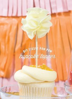 DIY : pom pom cupcake topper on Red Barn Blog