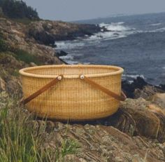 Nantucket oval Basket.....perfect for blankets :)