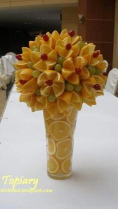 Fruit Carving Arrangements and Food Garnishes: Fruit and Vegetable Topiary - Obst Fruit Party, Snacks Für Party, Party Appetizers, Edible Fruit Arrangements, Flower Arrangements, Floral Arrangement, Fruit Display Wedding, Deco Fruit, Fruits Decoration