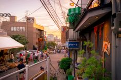 Shopping street where time passes faster. A lively place: YANAKAGINZA   http://mcha-jp.com/845