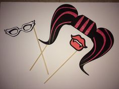 Monster High Photo Booth Props by PreciousPrelude on Etsy Soirée Monster High, Cumple Monster High, Monster High Crafts, Monster High Birthday, Monster Party, 9th Birthday Parties, 7th Birthday, Birthday Ideas, Fete Anne