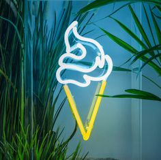 http://sosuperawesome.com/post/146805803081/handmade-and-custom-neon-signs-by-sygns-on-etsy