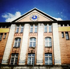 Bytom, Aleja Legionów, Szkoła #townhouse #bytom #silesia #śląsk #kamienice #school Mansions, House Styles, Home Decor, Decoration Home, Manor Houses, Room Decor, Villas, Mansion, Home Interior Design