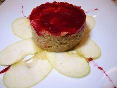 Tortino di Quinoa bianca con mele verdi, gambero rosso di Mazara e specchio di barbabietola, dello Chef Ezio D'Alia di Bioesserì Palermo