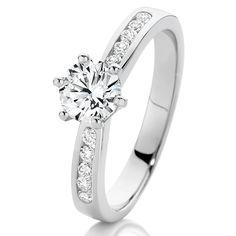Diamond engagement ring - One carat of diamonds    www.loloma.com.au