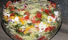 Warstwowa sałatka z Fetą na kolorowo Baked Cod, Tortellini, Kraut, Feta, Guacamole, Cobb Salad, Baked Potato, Salad Recipes, Cabbage