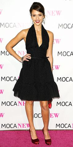 Who made Jessica Alba's black dress, red shoes and red purse that she wore to the MOCA 30th Anniversary gala in Los Angeles?