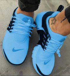 Nike Air Force Shoe - Nike Air Force Shoe Being the original basketball shoe to feature nike air, Nike air force 1 continues to rank amoung the most… Sneakers Mode, Cute Sneakers, Sneakers Fashion, Fashion Shoes, Fashion Fashion, Nike Fashion, Fashion Belts, India Fashion, Grey Fashion