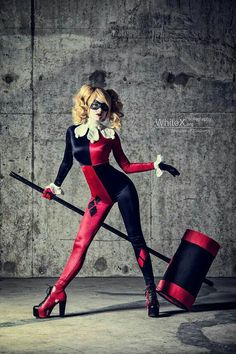 Harley Quinn Klassik-Cosplay-Fotos von FaelivrinPrints auf Etsy --Be your own… Dc Cosplay, Cosplay Outfits, Best Cosplay, Cosplay Girls, Anime Cosplay, Harley Quinn Disfraz, Harley Quinn Cosplay, Joker And Harley Quinn, Harley Costume