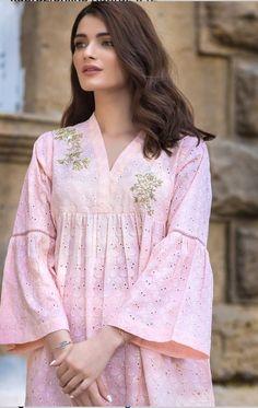 Simple Kurti Designs, Salwar Designs, Kurta Designs Women, Kurti Designs Party Wear, Blouse Designs, Neckline Designs, Simple Pakistani Dresses, Pakistani Fashion Casual, Pakistani Dress Design