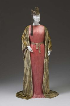 Fortuny Delphos dress and sash ca. 1915-30, and mantle ca. 1919    From the Mint Museum