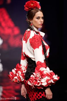 Black White Red, Snow White, African Fashion, Fashion Art, Art Photography, Runway, Ruffle Blouse, Dance, Disney Princess