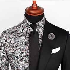 Grand Frank monochrome style  #floral #menstyle #menswear