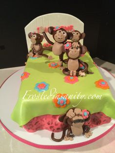 5 monkeys jumping on the bed cake
