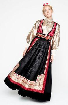 Eva Lie design Folk Fashion, Ethnic Fashion, Womens Fashion, Folk Costume, Costumes, Norwegian Clothing, Scandinavian Fashion, Viking S, Drawing Clothes