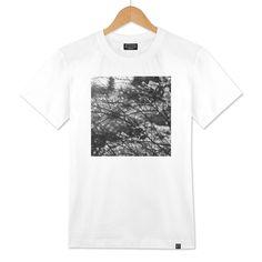 935161ce «Winter garden black and white photo» Men's Classic T-Shirt by Inga  Linder-Kopiecka